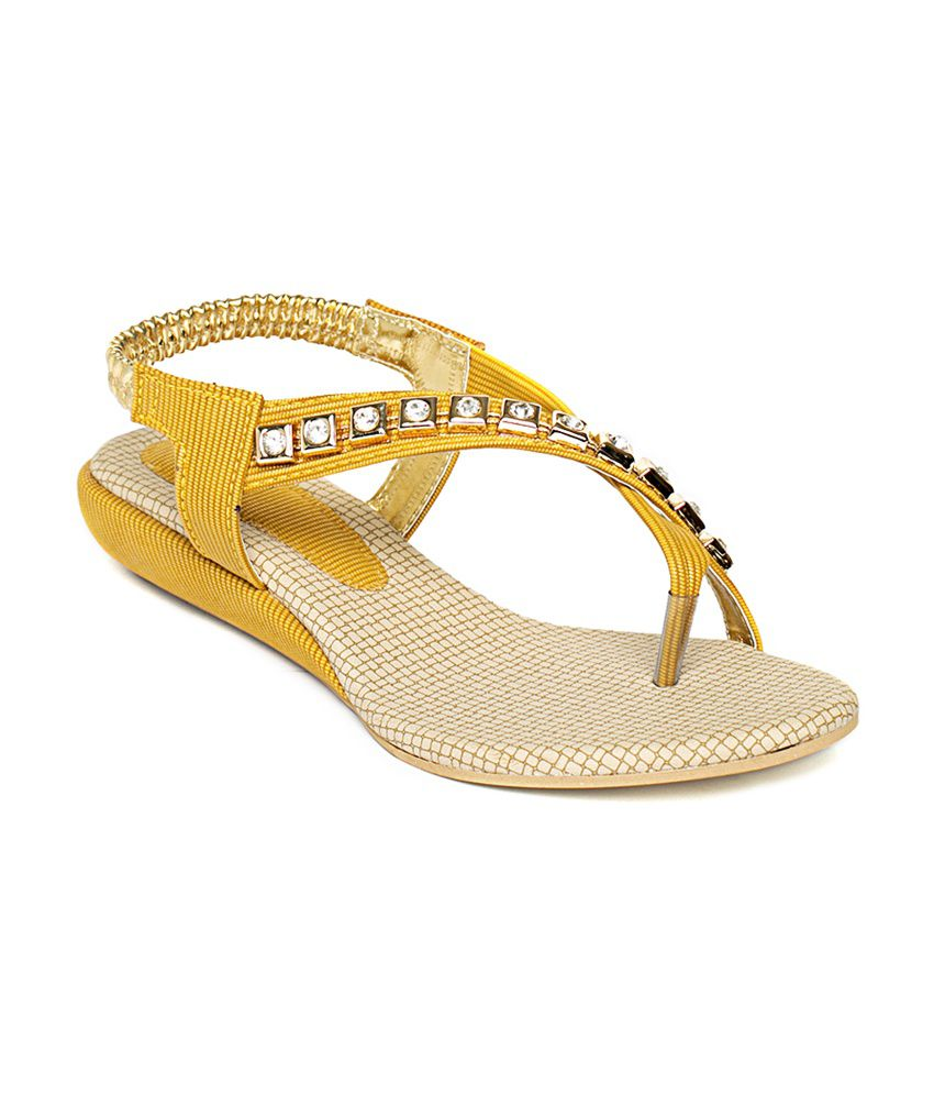 Wellworth Yellow Daily Wear Sandal With Small Back Strap