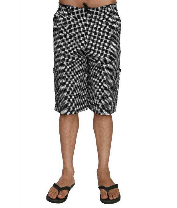 Hypernation black color printed cotton three fourth for men
