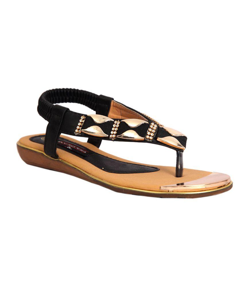 Trilokani Black Synthetic Slipper