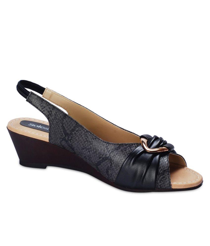 Solester Akina Black Sandals