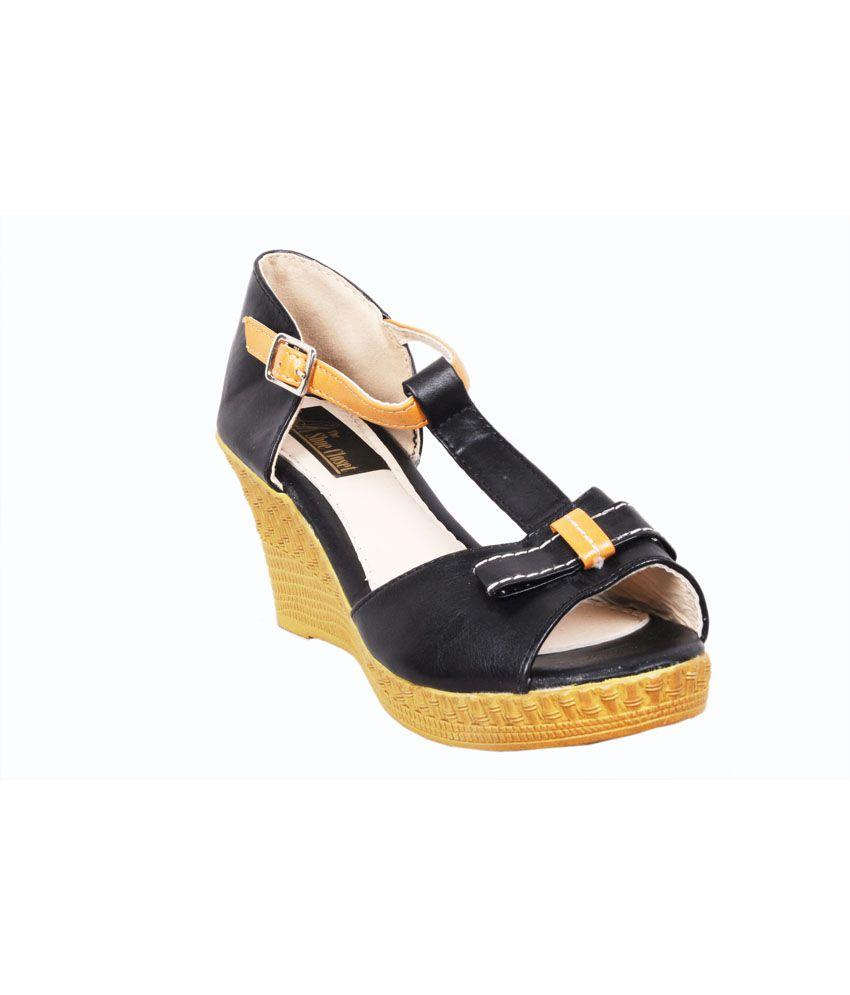 The Shoe Closet Black Medium Heel Sandals
