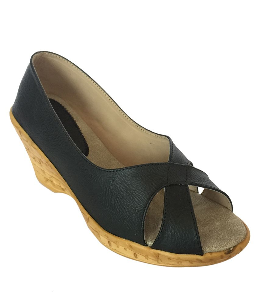 Divya Shopee Black Heeled Slip On