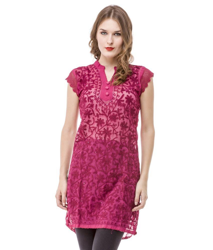 Saadgi Red Cotton Embroidered Woven V-neck Medium Kurti