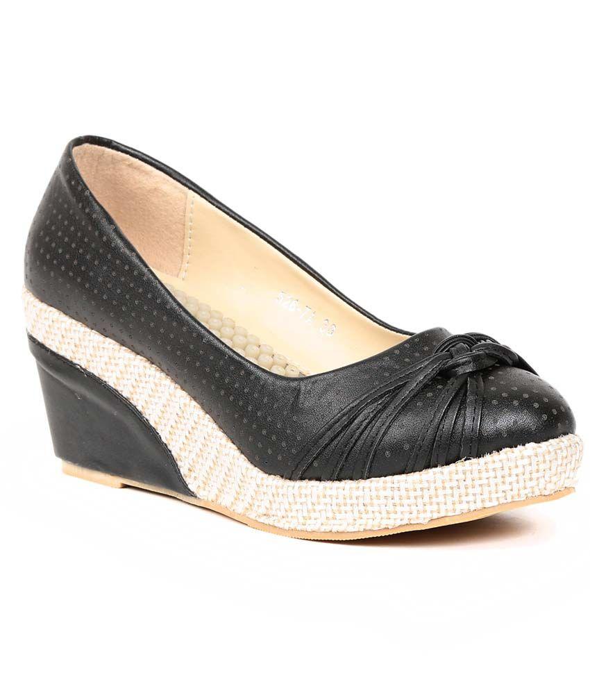Footloose Black Faux Leather Low Heel Ballerinas
