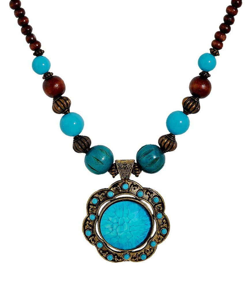 Maayra Bewitching Casual Hit Necklace