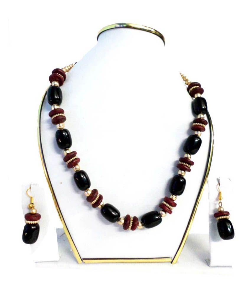Alekip Beads Black Traditional Necklace Set