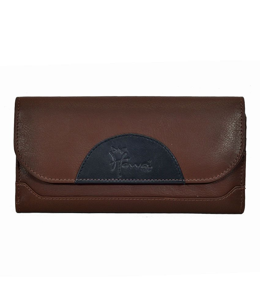 Hawai Spacious Brown Leather Wallet for Women