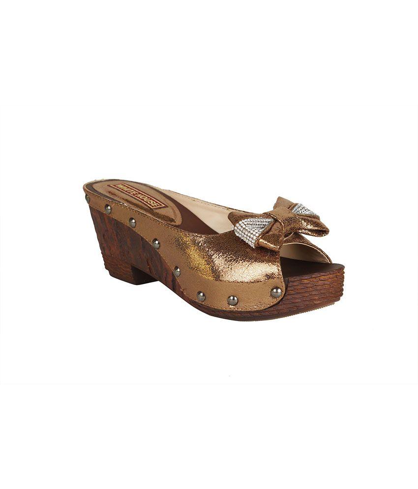 Sindhi Jewellers Goldenrod Patent Medium Heel Ethic Wear