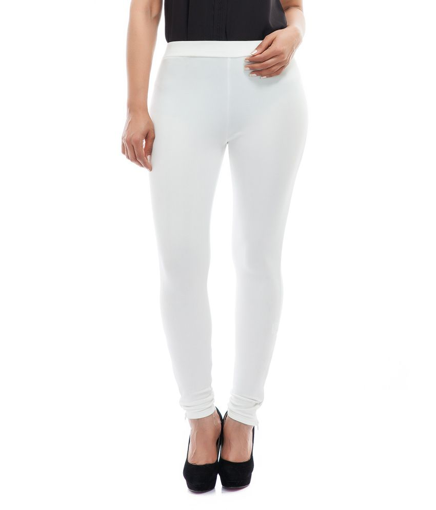 Complete your wardrobe with chic and comfortable women's pants from Sears. From dressy to casual, women's pants are available in various styles and designs that suit any look.
