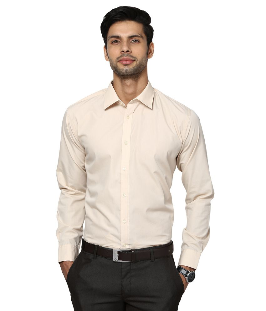 Shop Thomas Pink's exclusive range of business shirts for men & find the perfect shirt to take on the day in style. Browse the full collection of luxury shirts.