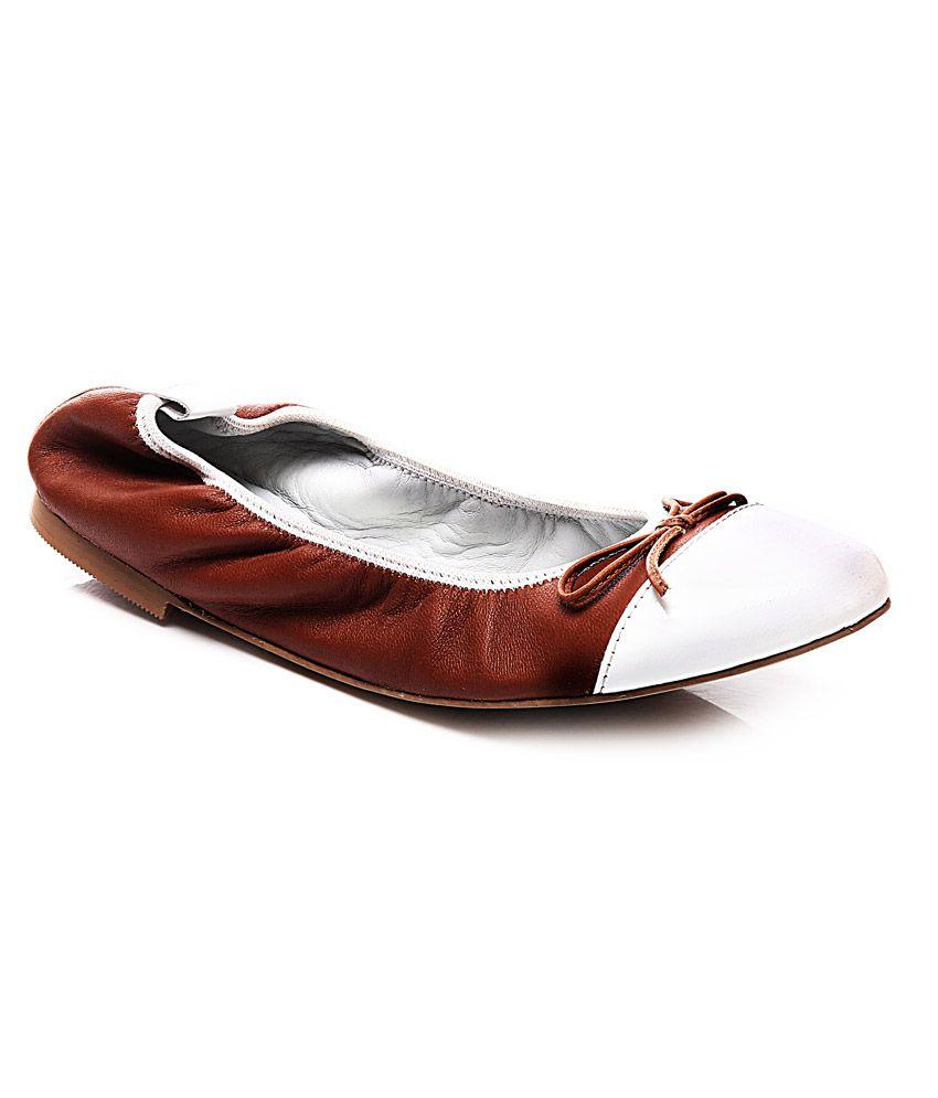 Pelle Originale Brown Faux Leather Ballerinas