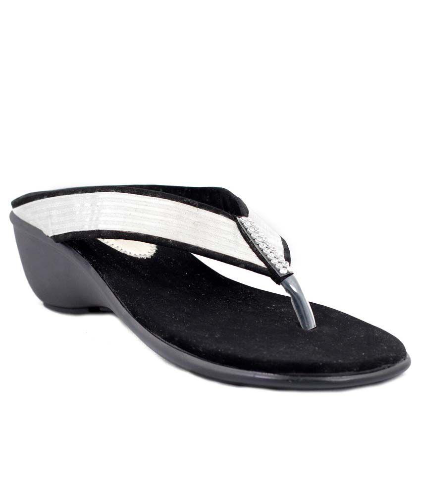 Trendy Silver Patent Superb Medium Heel Heeled Slip-On