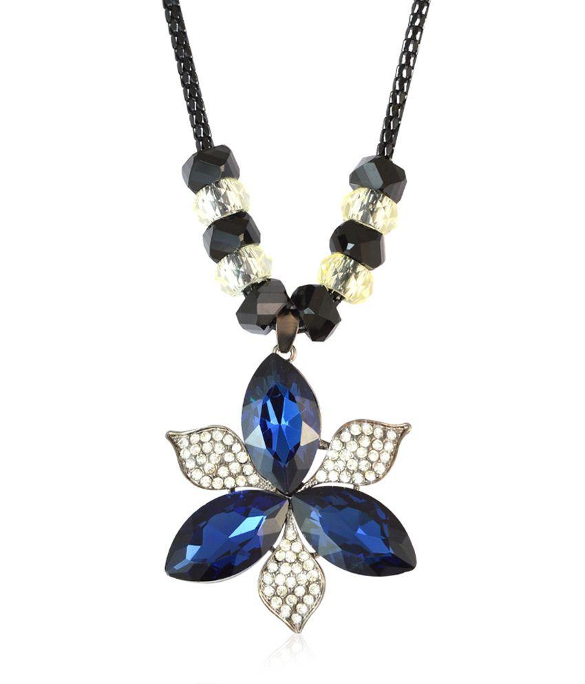 Sarah Blue Floral Pendant Blue Color Necklace