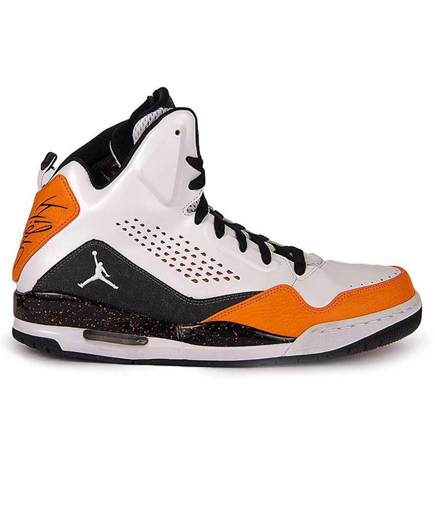 Sale On Basketball Shoes In India