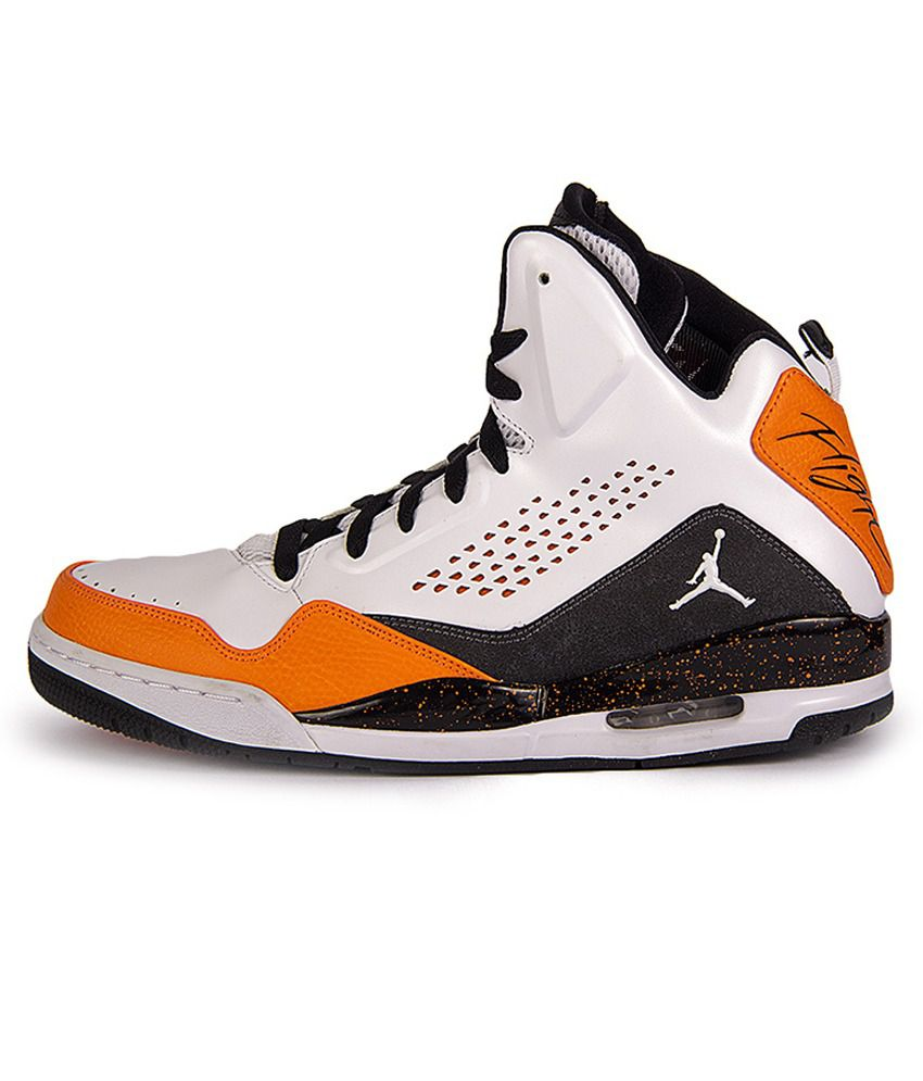 separation shoes 9b505 ea43f Nike Jordan Sc-3 Sports Shoes - Buy Nike Jordan Sc-3 Sports Shoes Online at  Best Prices in India on Snapdeal