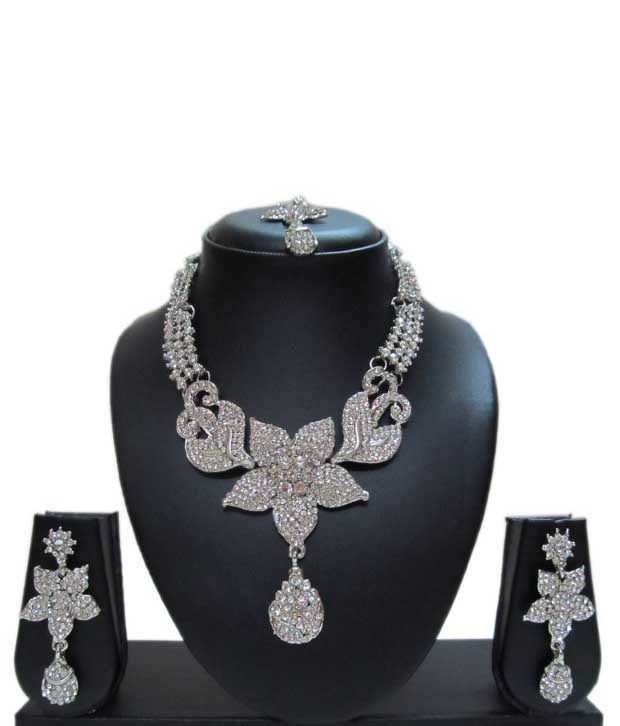 Vanshi Silver Exotic Necklace Set With Mang Tika