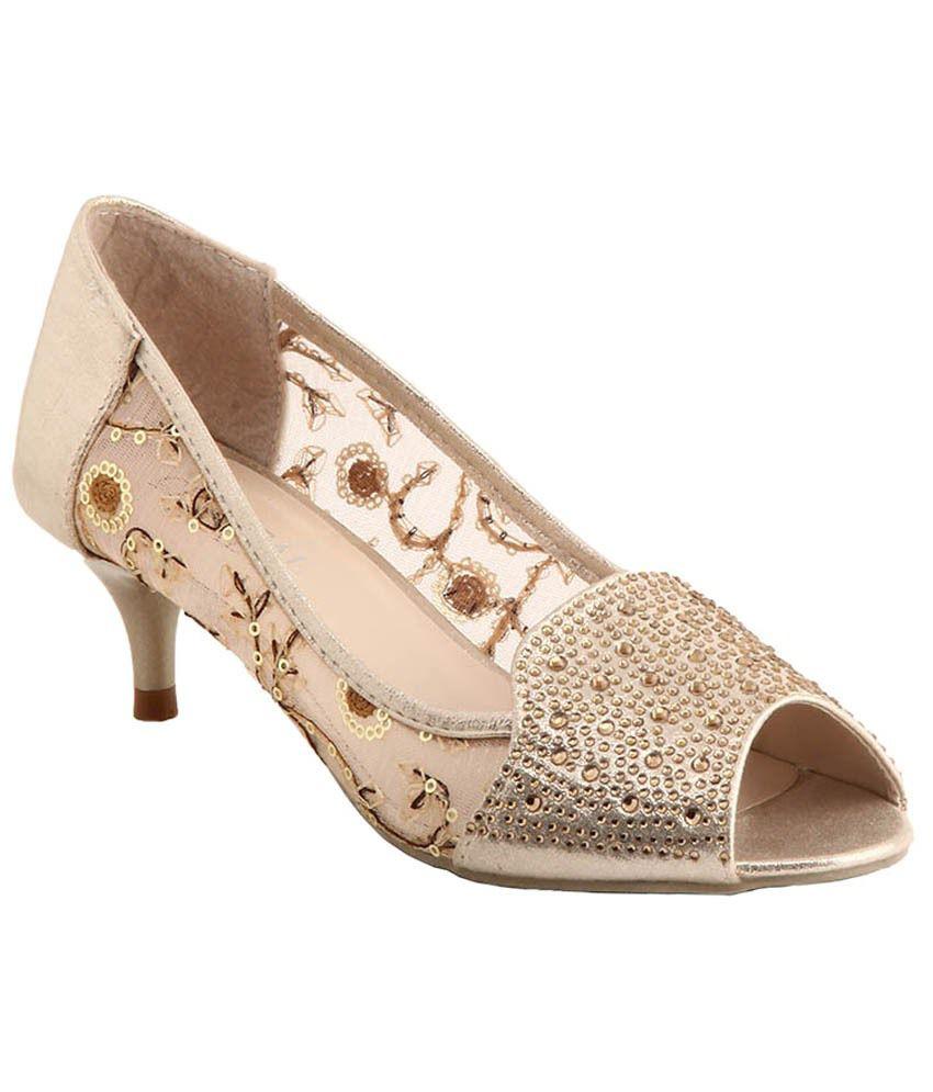 Ninelifestyle Golden Resin Sheet Heeled Sandal