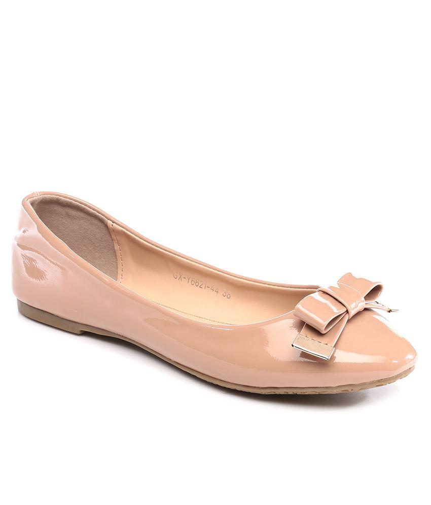 Inc.5 Beige Round Toe Ballerinas
