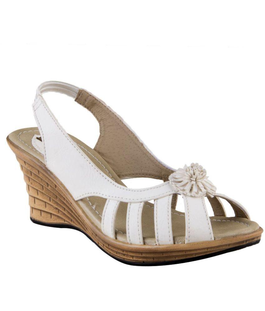 Waltz White Wedges Sandals