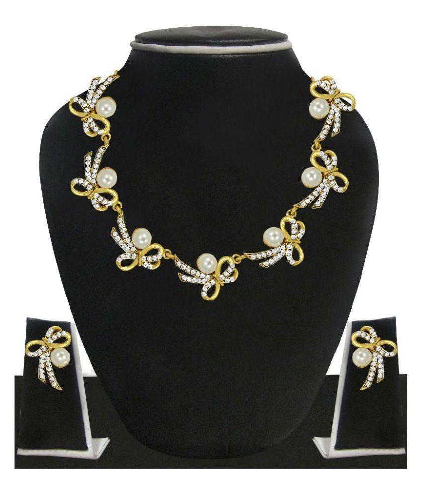 0802ea712f637 Zaveri Pearls Zinc 22 Kt Gold Plating Pearls Studded Gold Coloured  Necklaces Set