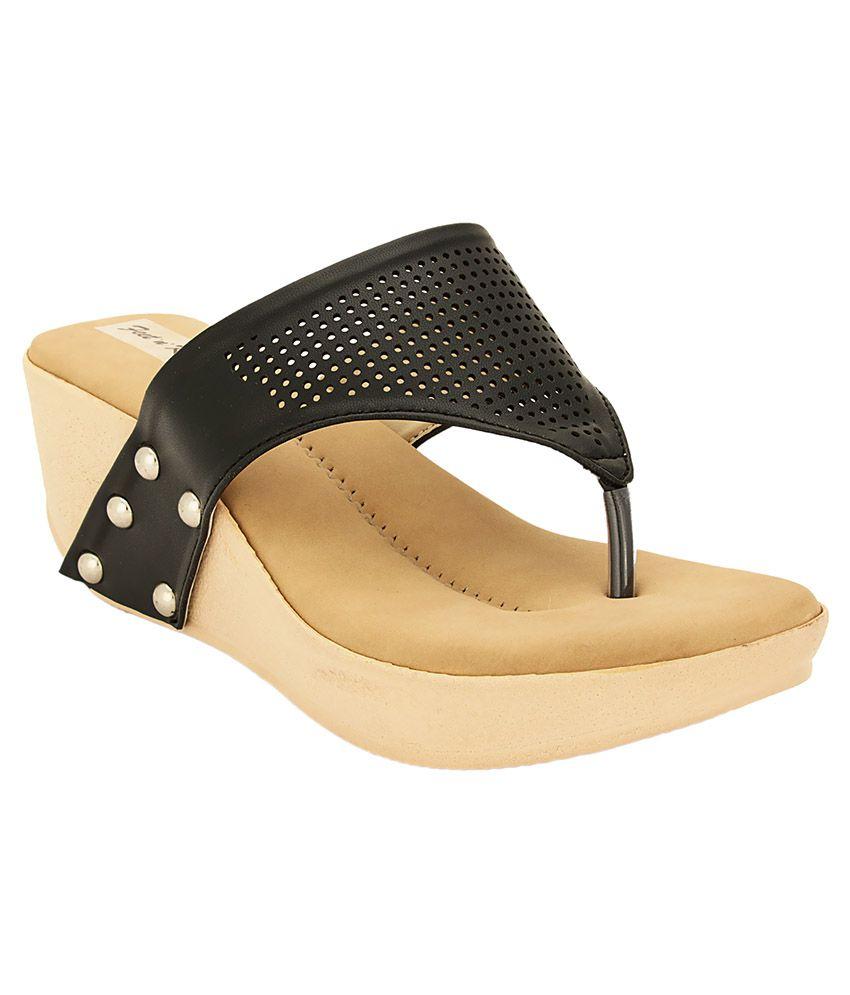 Feet n Knots Black Wedges Heels