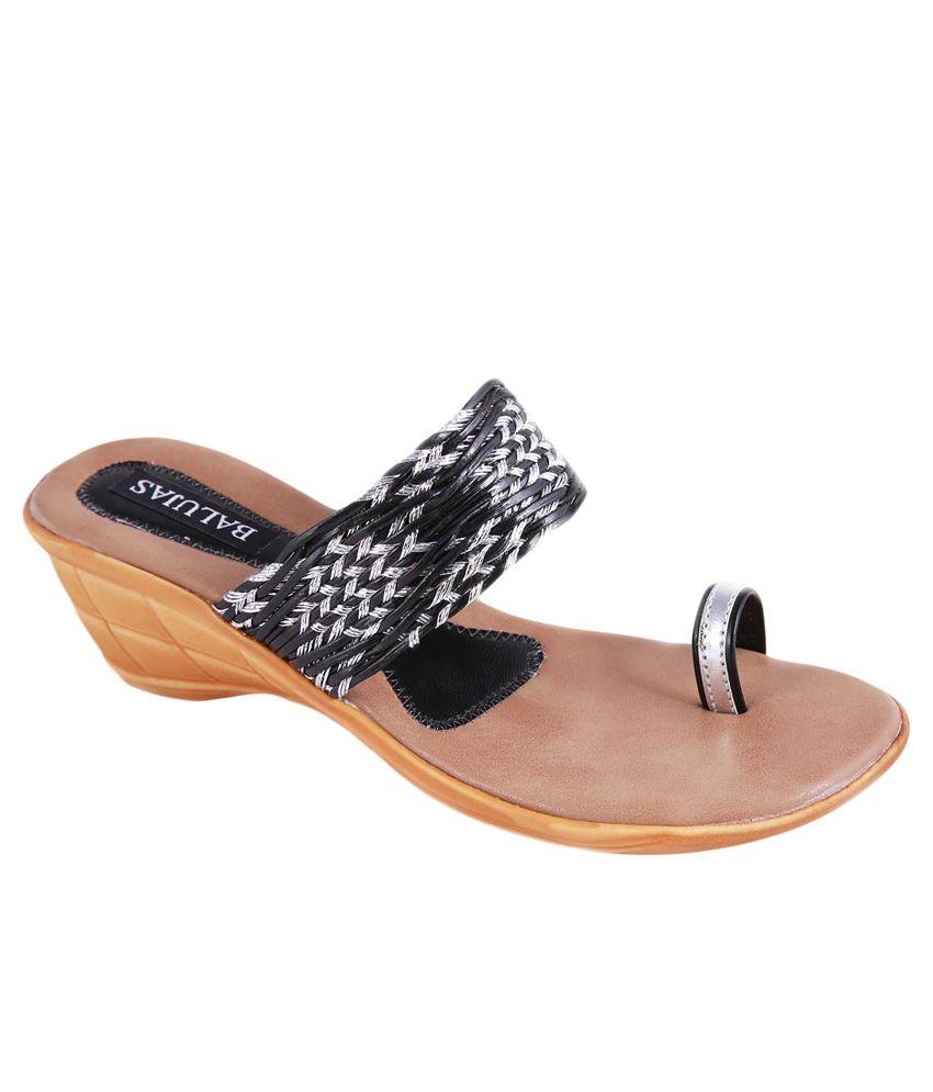 Balujas Black Wedges Heels
