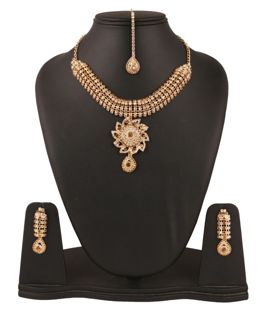 Fanvi Multicolour Alloy Necklace Set with Maang Tikka