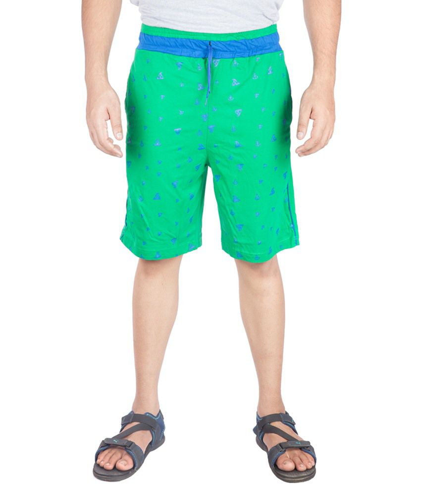 A Flash Green Cotton Blend Printed Short
