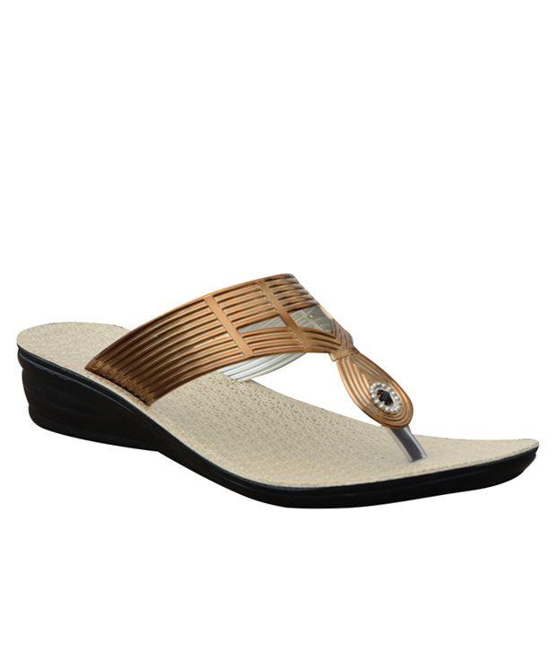 Relic Footwear Gold Heeled Slip-Ons