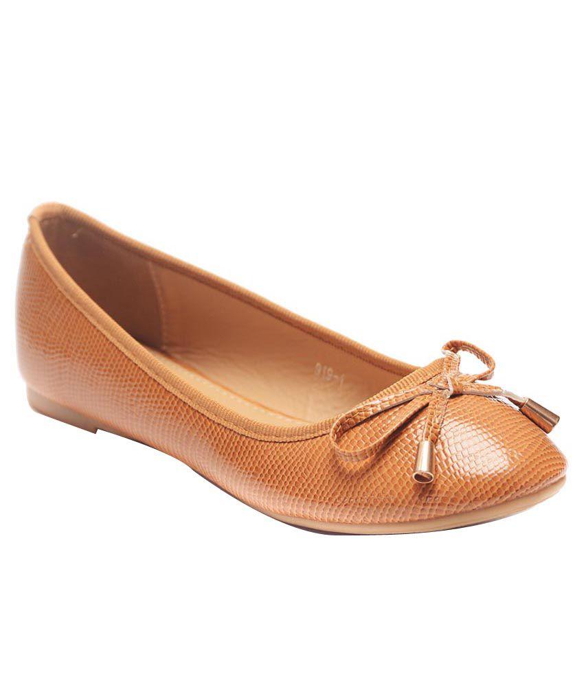 Flat N Heels Tan Ballerinas