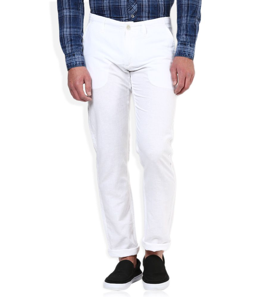 Celio White Solid Chinos