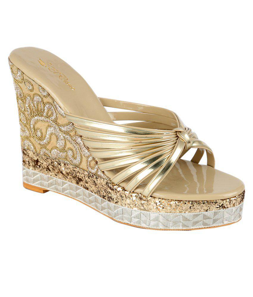 El Cisne Golden Heeled Slip Ons