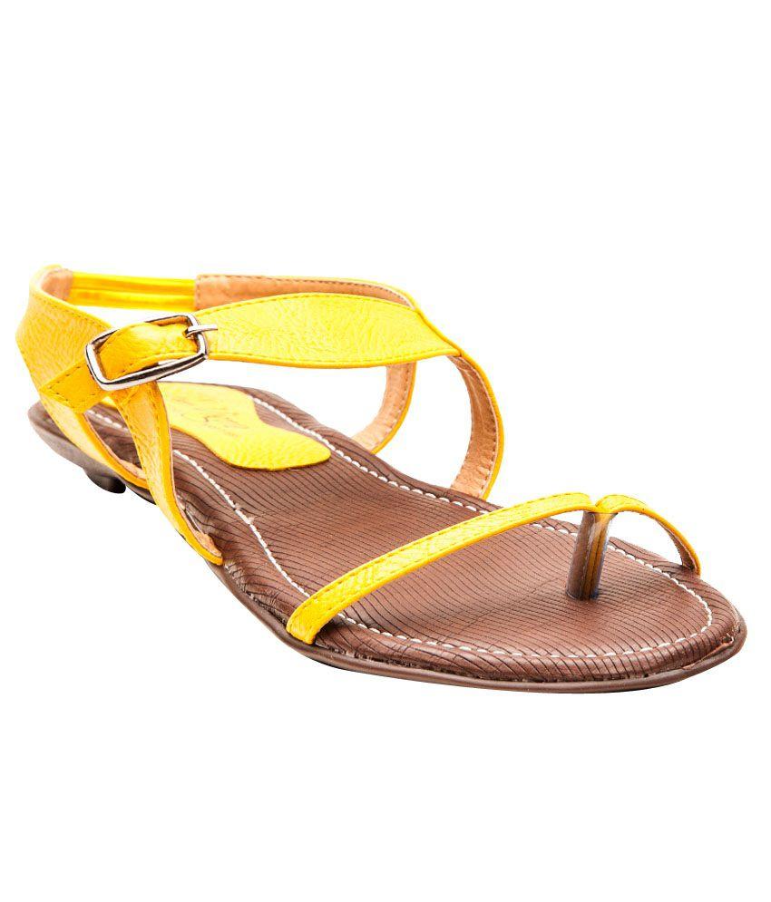 Il Vigore Urban Chic Yellow Flat Sandals