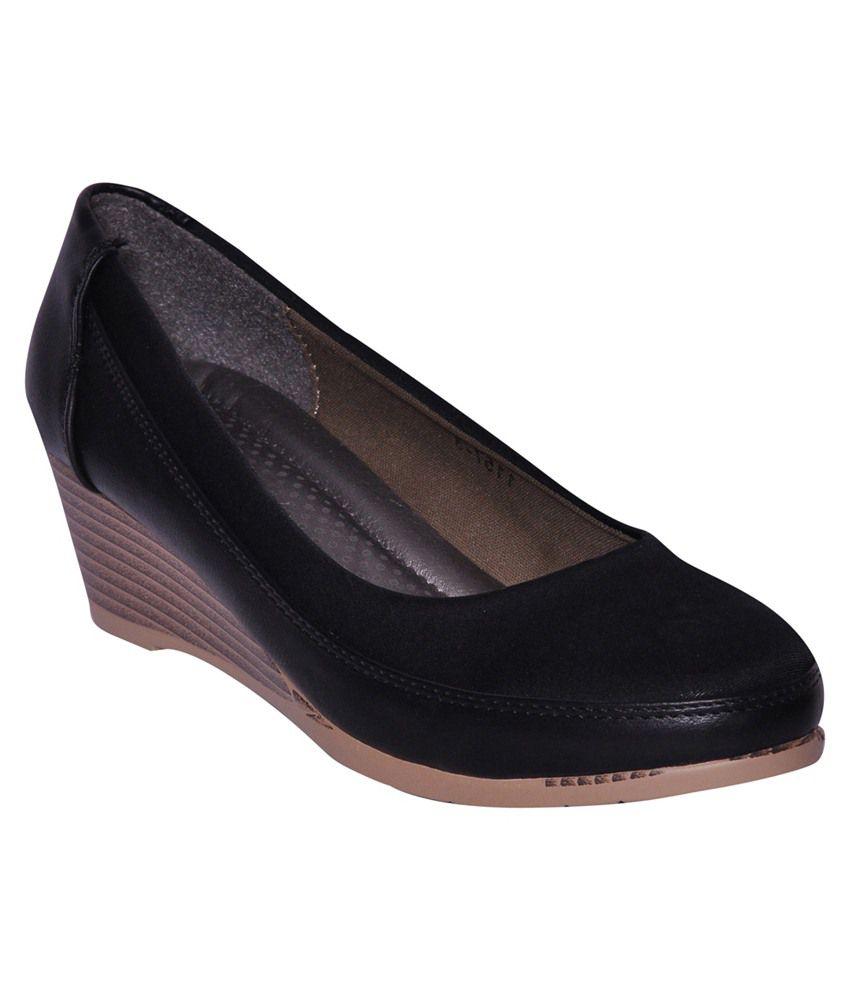 Pandhi Black Heeled Slip Ons