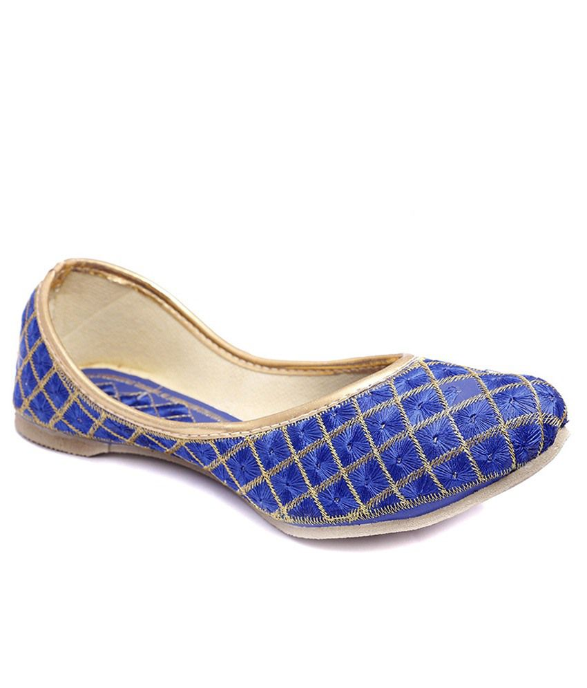 Stellar Collections Blue & Beige Jhuttis