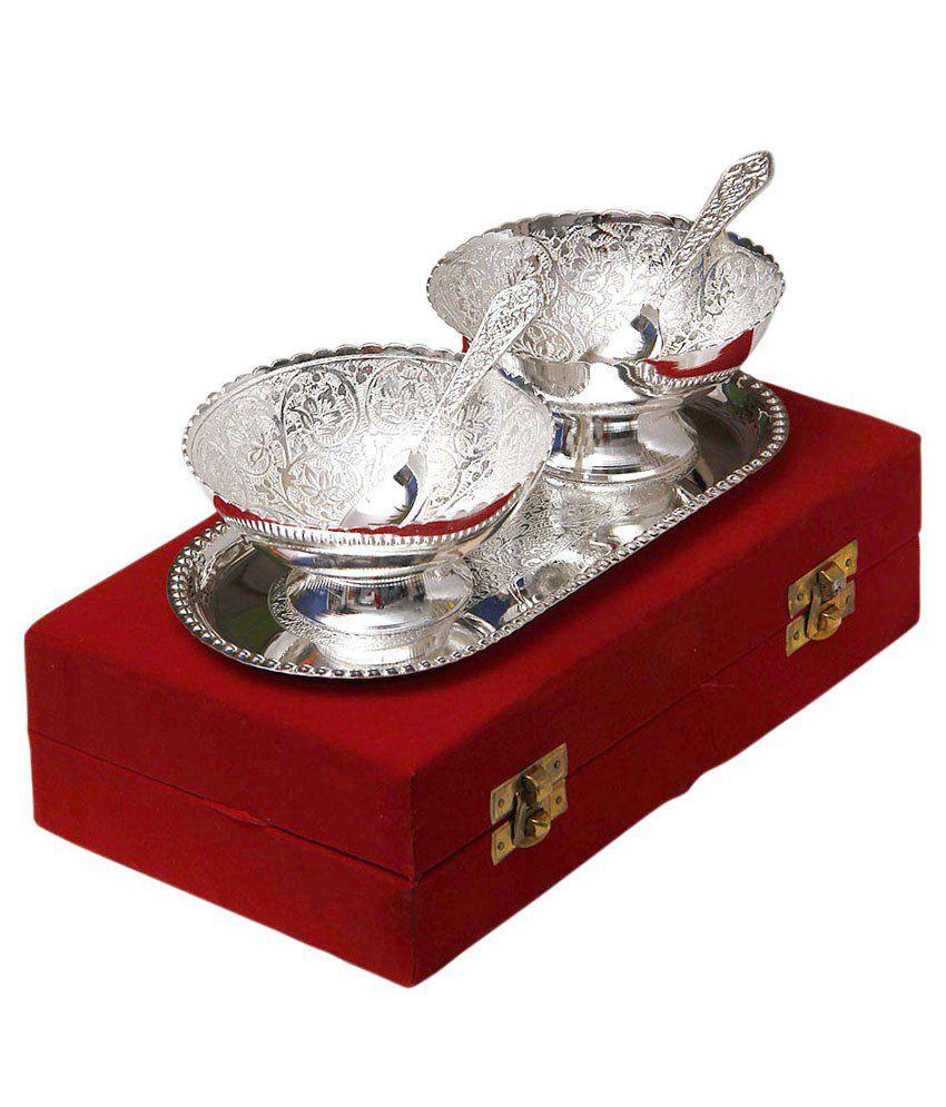 Odna Bichona Silver Plated Brass Bowl With Tray   Set Of 5