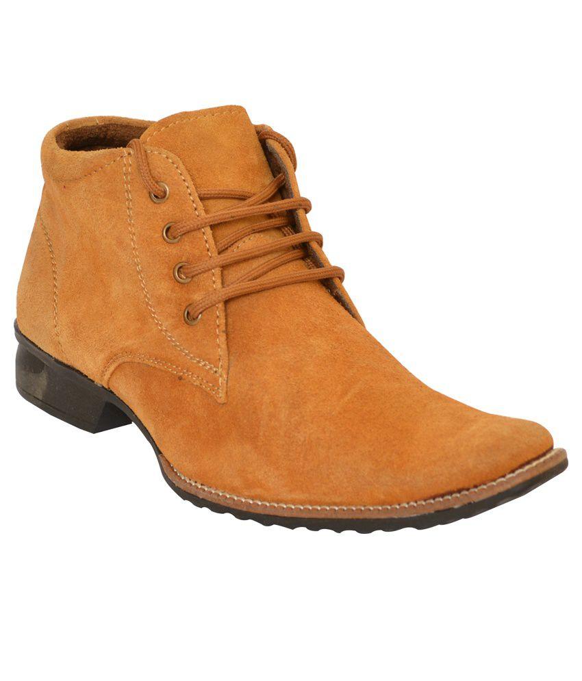 Renzz Tan Boots