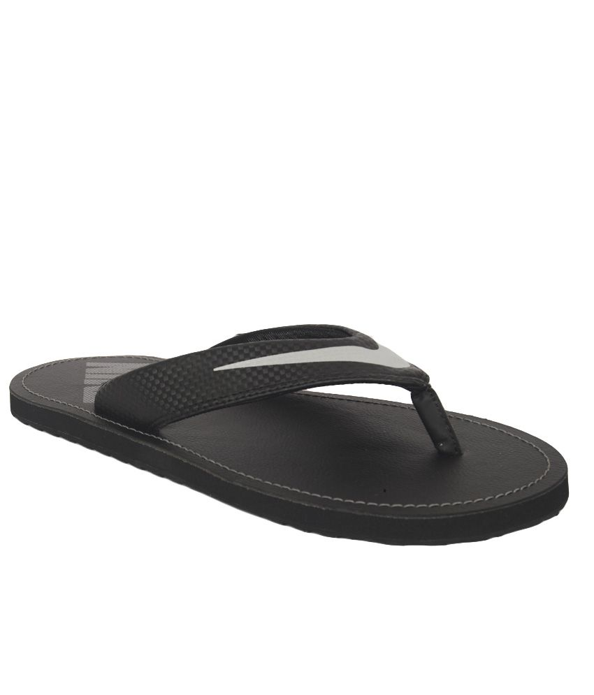Shop Nike Solay Flip Flops In Black at ASOS. Discover fashion online.