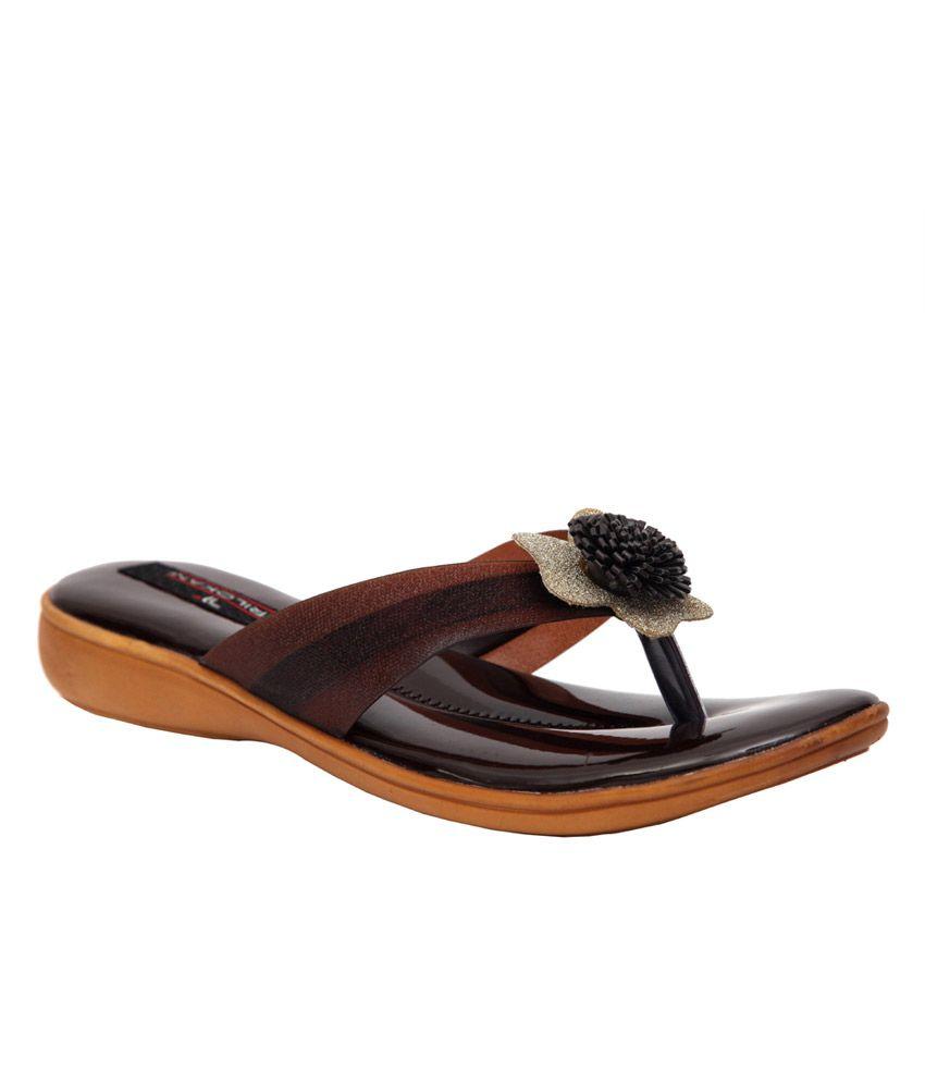 Trilokani Brown Slippers