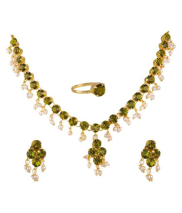 Makezak Golden American Diamond Necklace Set