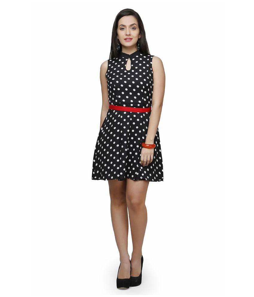 V&m Black Poly Crepe Dresses