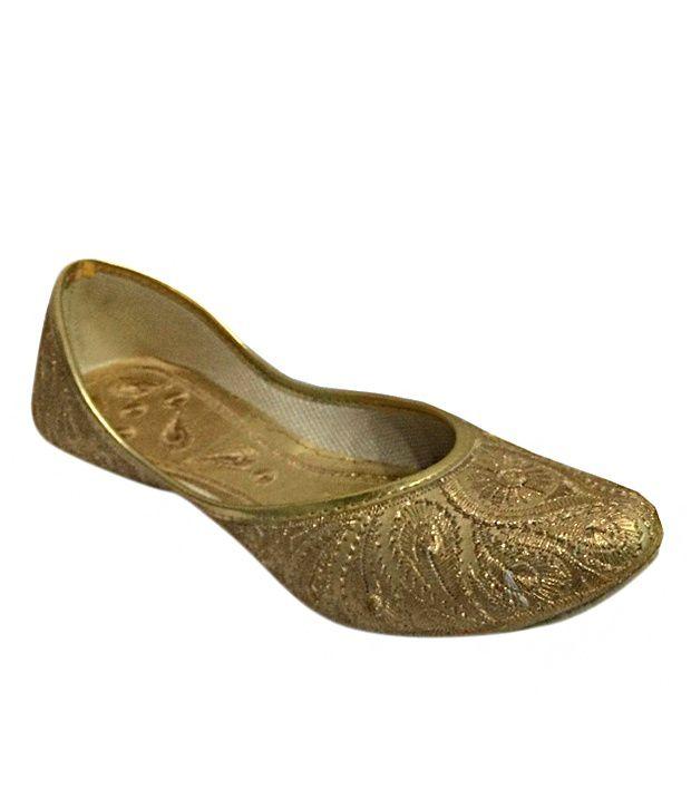 Modish Gold Ethnic
