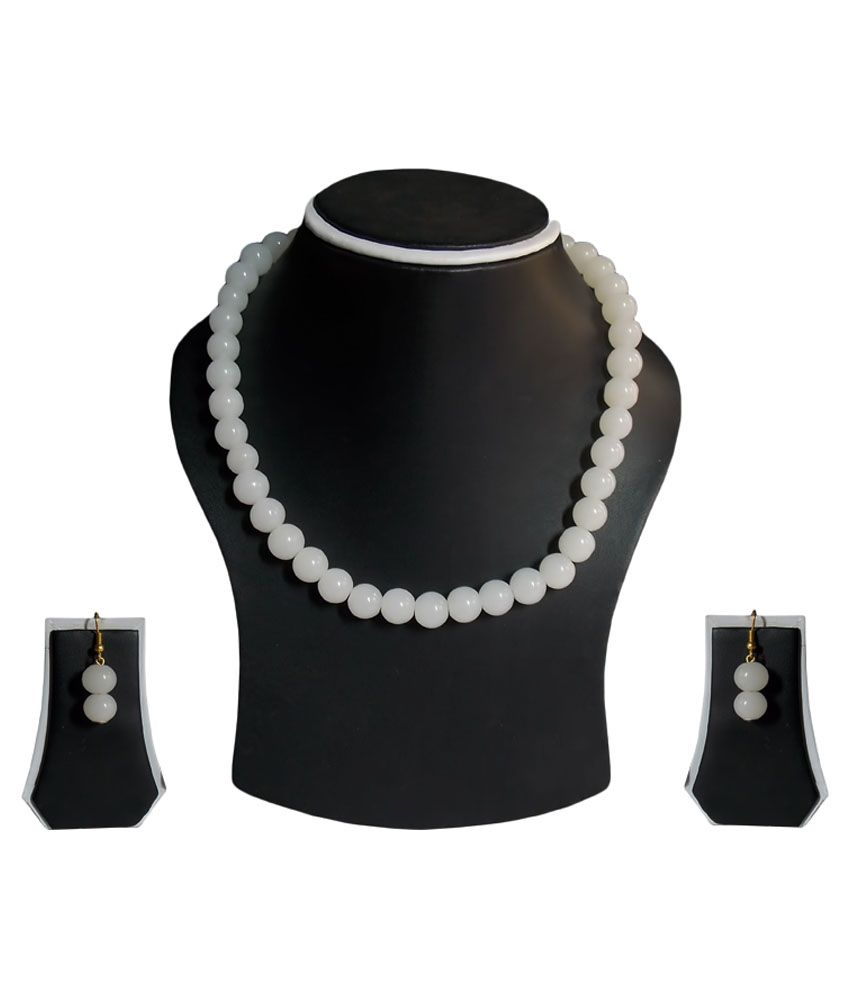 Simbright Silver and White Traditional Necklace Set