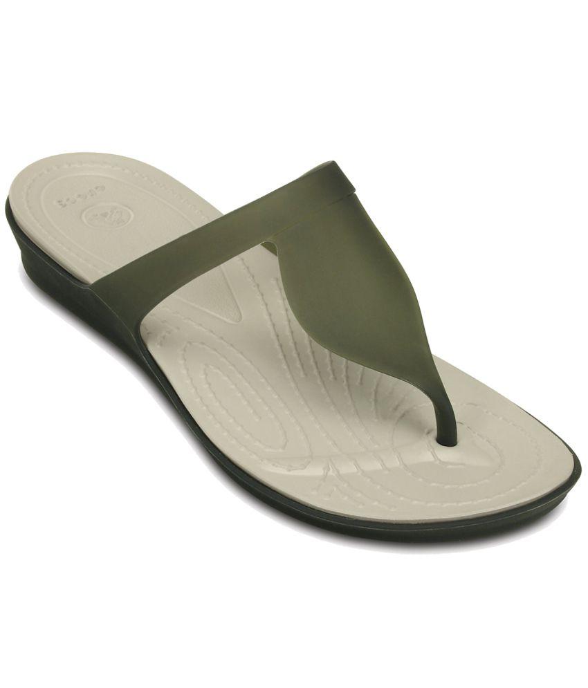 Crocs Standard Fit Green Slippers & Flip Flops