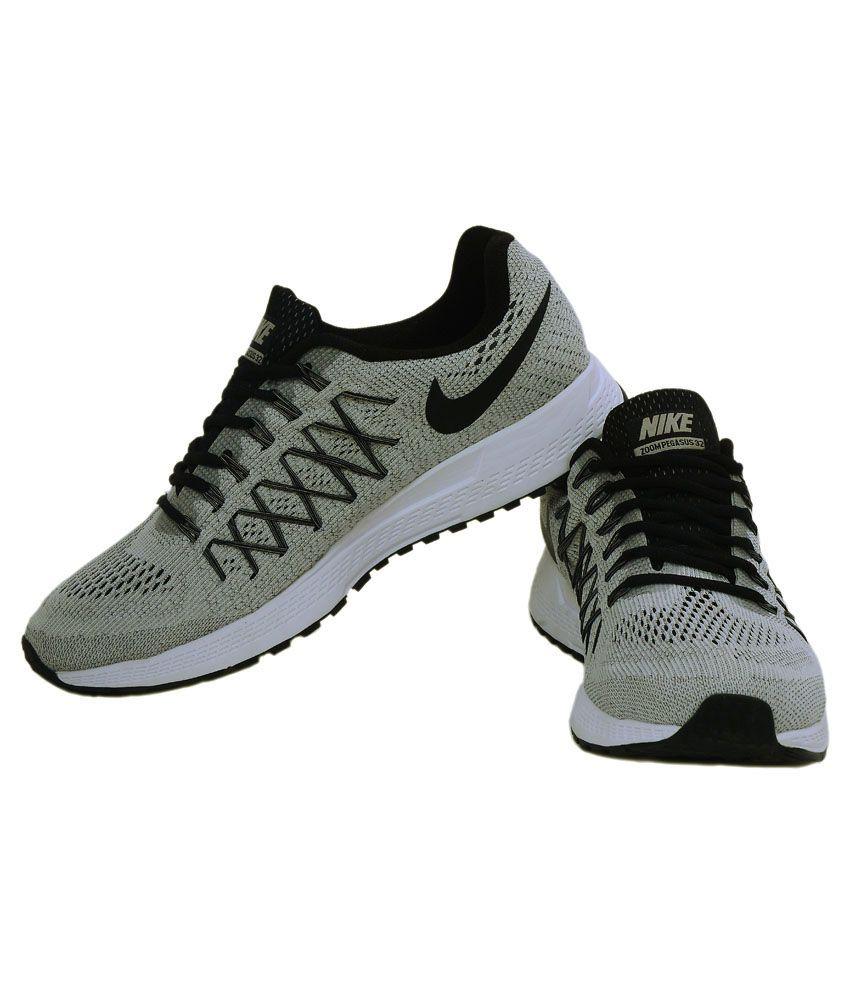 ... Nike Gray Running Shoes ...