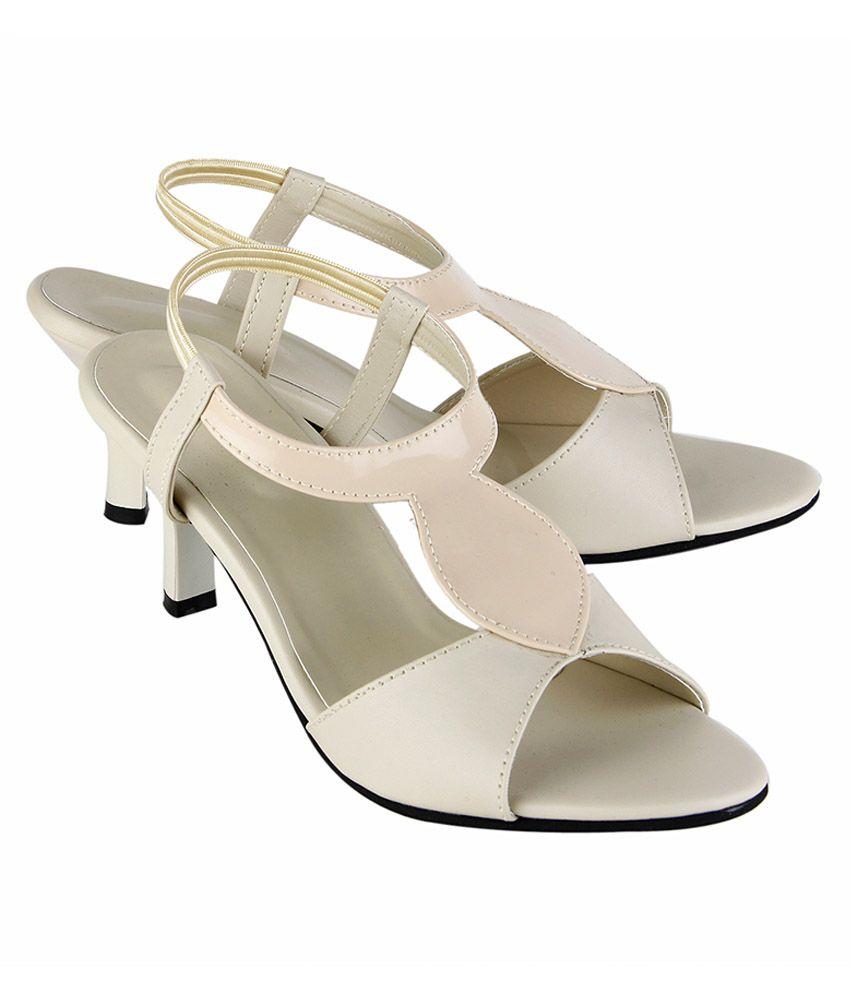 Buy Tipcat Cream Kitten Heels for Women Online India, Best Price ...