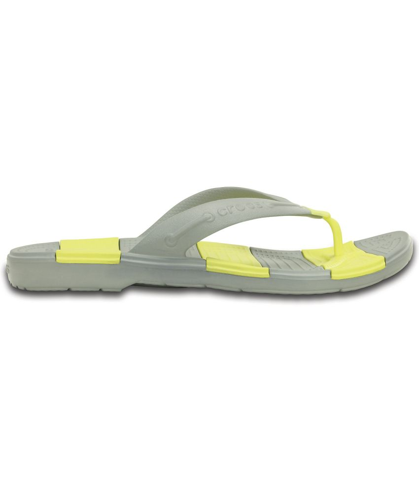 0840404ff794 Crocs Yellow Slippers   Flip Flops Relaxed Fit Price in India- Buy ...