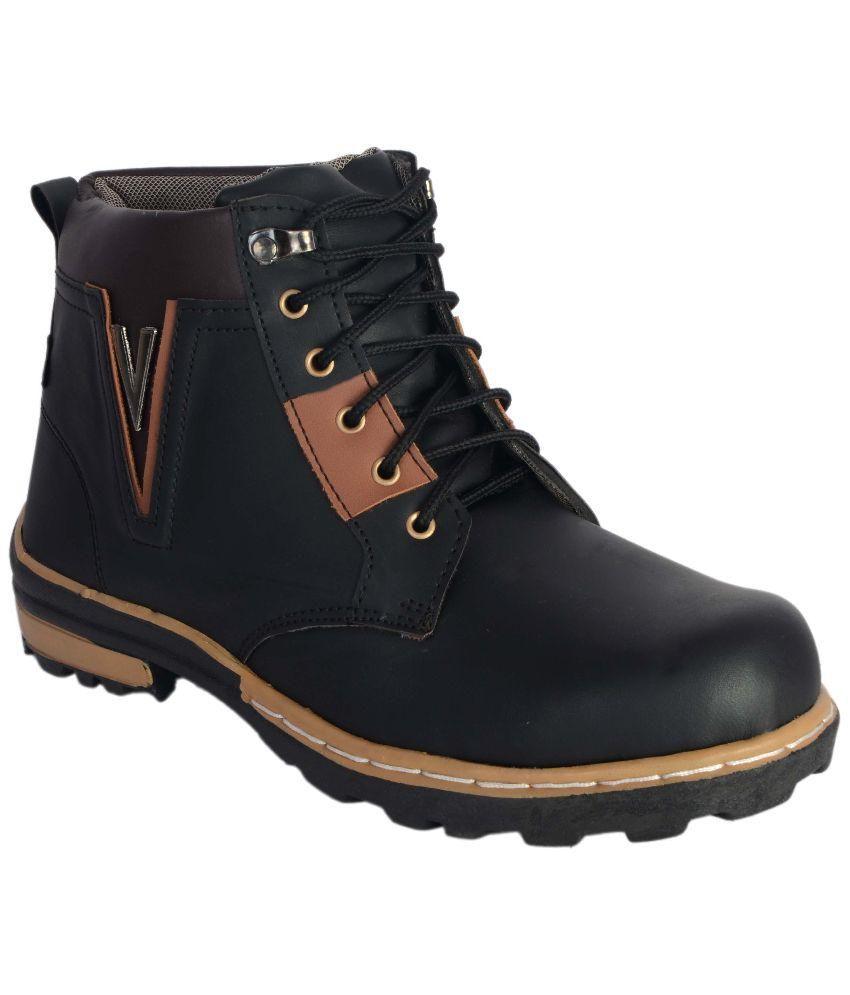 R V International Black Boots