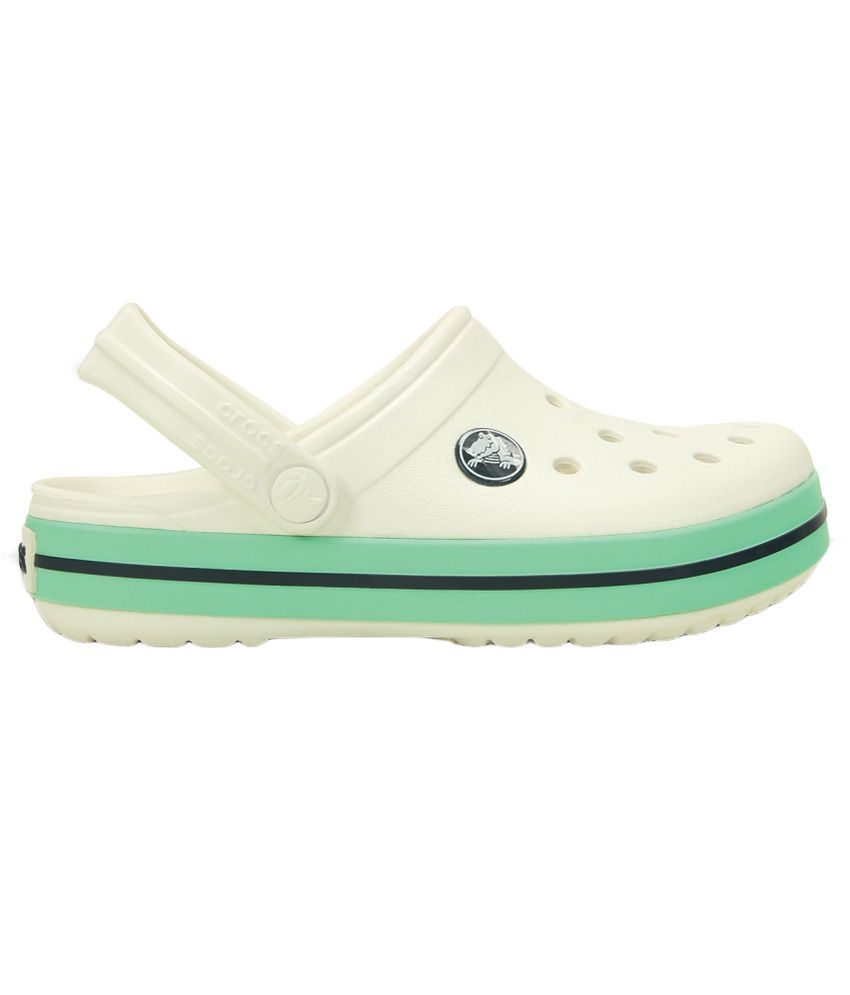 b9d4cba7057 Crocs Roomy Fit White Clog For Kids Price in India- Buy Crocs Roomy ...