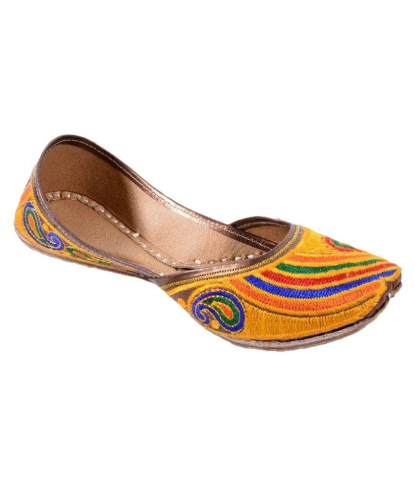 Utake Yellow Ethnic Footwear